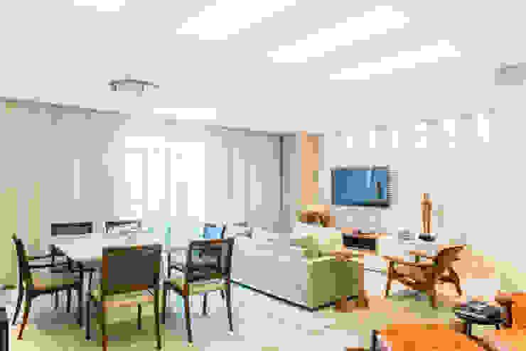 Moderne Esszimmer von Arina Araujo Arquitetura e Interiores Modern Keramik