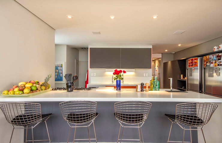 Kitchen by acr arquitetura,