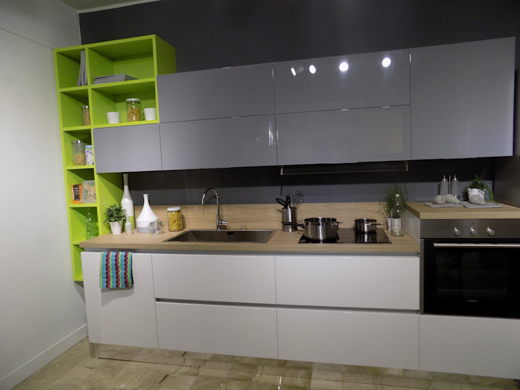 vernal kitchen di Cucine e Design Moderno