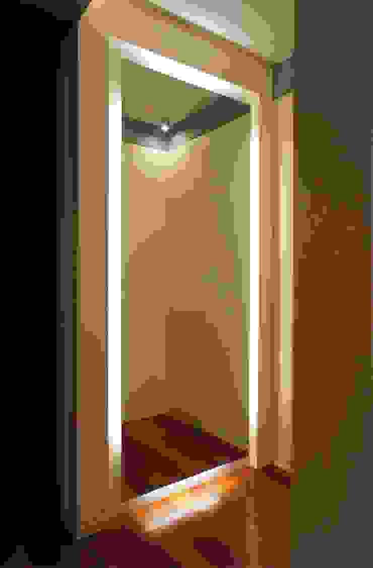 Apartamento T2 – Povoa de Varzim Closets modernos por B3C Moderno