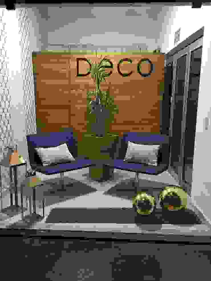 Showroom de DECO Designers Moderno