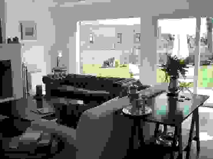 Estudio Arquitectura Integral Modern living room White