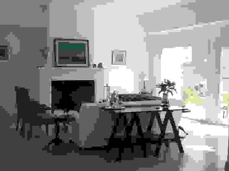 Estudio Arquitectura Integral ห้องนั่งเล่น