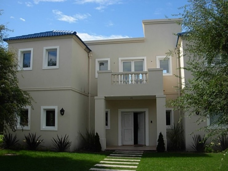 Klassische Häuser von Estudio Arquitectura Integral Klassisch