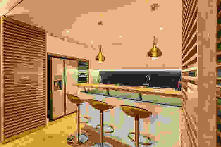 Cozinhas  por MOB ARCHITECTS