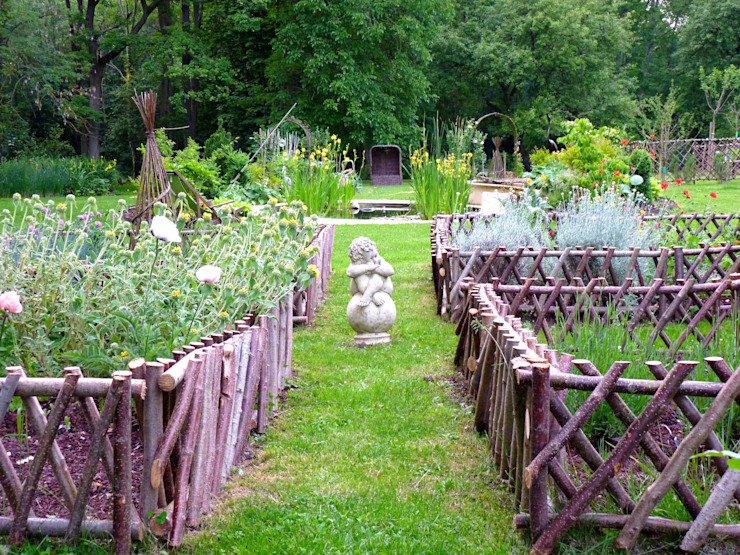 Classic style garden by Nature in the Garden Classic