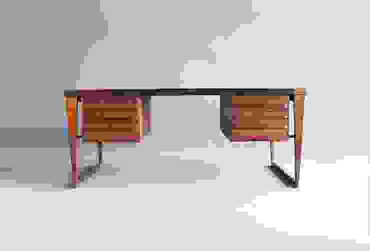Rosewood Desk by Kai Kristiansen por Retro Age Escandinavo Madeira Acabamento em madeira