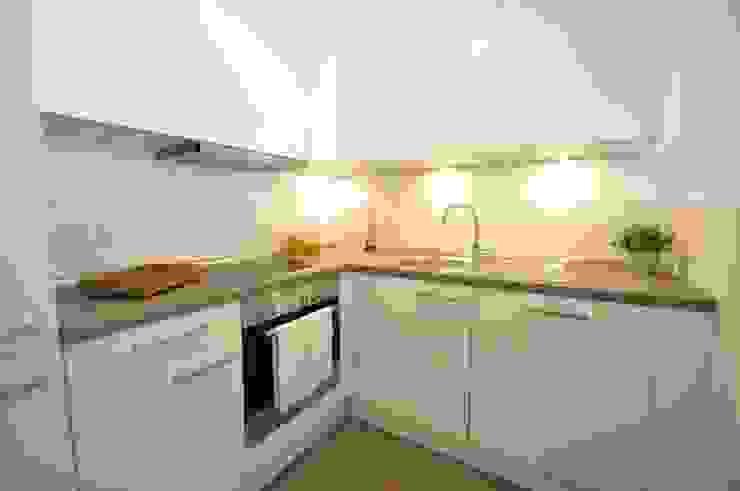 مطبخ تنفيذ Karin Armbrust - Home Staging,