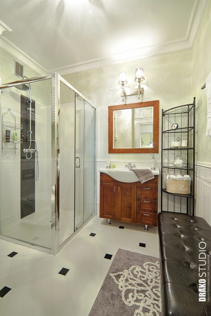 Classic style bathroom by DreamHouse.info.pl Classic