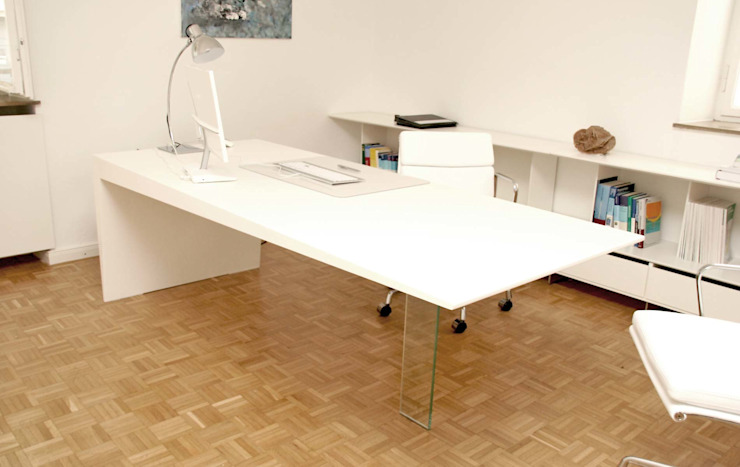 Mensch + Raum Interior Design & Möbel Modern Study Room and Home Office