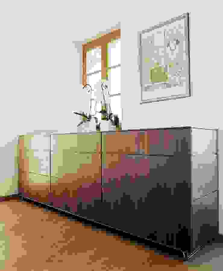 Mensch + Raum Interior Design & Möbel Living roomCupboards & sideboards