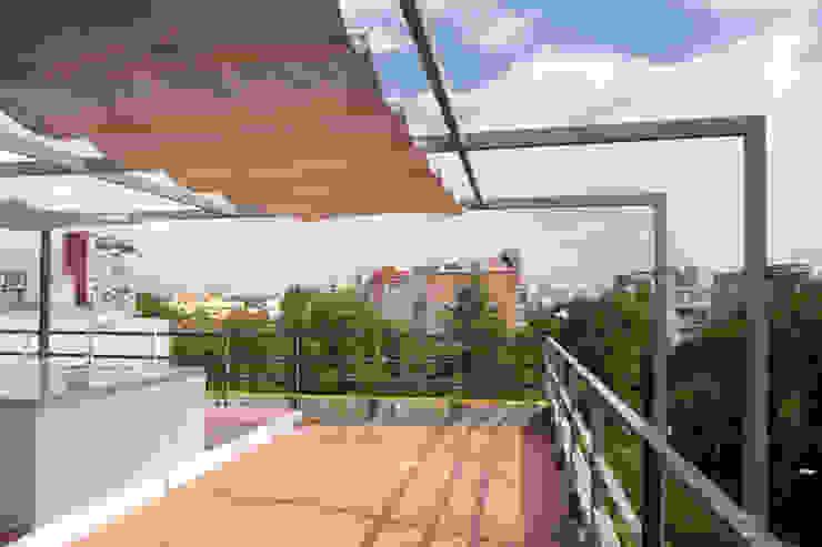 aCA-50 Finished Work: Terrazas de estilo  por CoRREA Arquitectos,