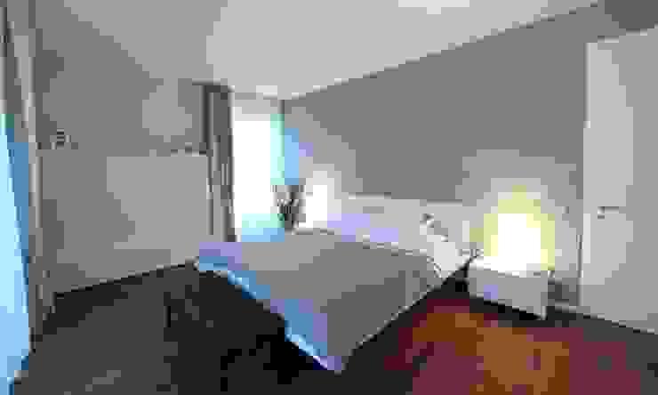 Chambre minimaliste par nadine buslaeva interior design Minimaliste