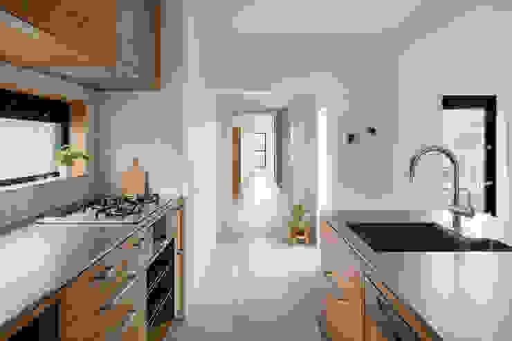 Modern style kitchen by 内田雄介設計室 Modern