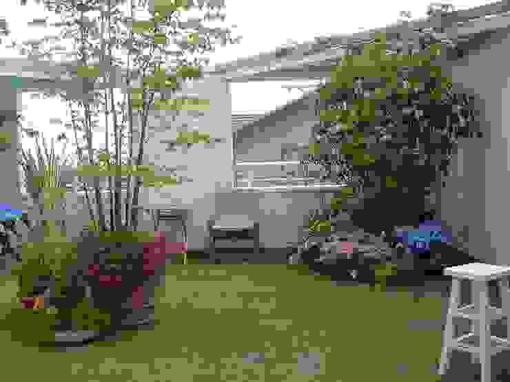 (有)ハートランド Modern style balcony, porch & terrace