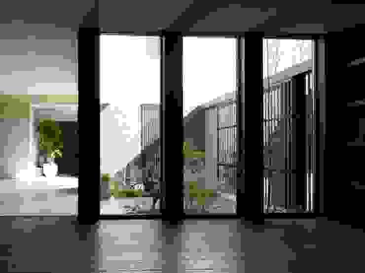 Coutyard (有)ハートランド モダンデザインの テラス