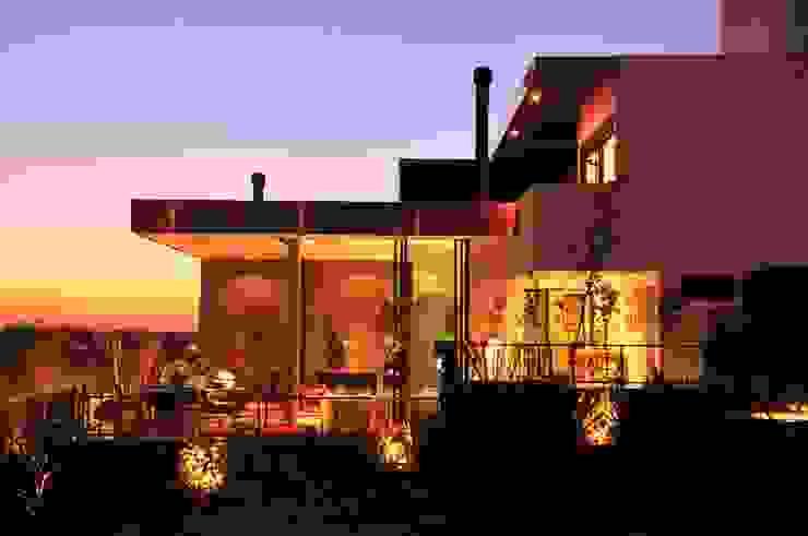CASA UM QUINTA DO GOLFE STUDIO LUIZ VENEZIANO Casas modernas