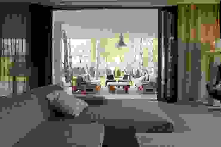 Modern balcony, veranda & terrace by seweryn pracownia Modern