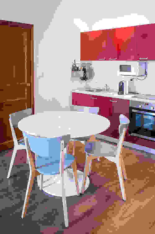Scandinavian style kitchen by B.Inside Scandinavian
