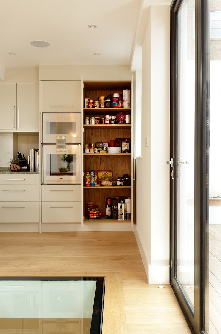 KITCHENS: The Aubrey Cue & Co of London Cucina moderna