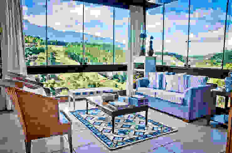 Salas de estilo rural de Carlos Eduardo de Lacerda Arquitetura e Planejamento Rural