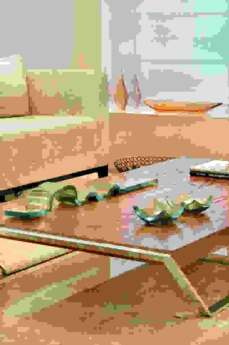 studio VIVADESIGN POR FLAVIA PORTELA ARQUITETURA + INTERIORES Modern bathroom Beige