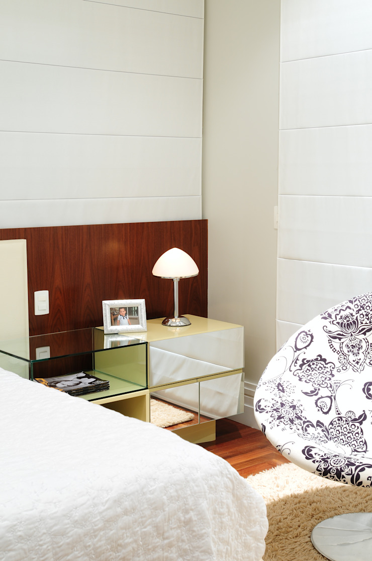 studio VIVADESIGN POR FLAVIA PORTELA ARQUITETURA + INTERIORES Modern style bedroom Beige