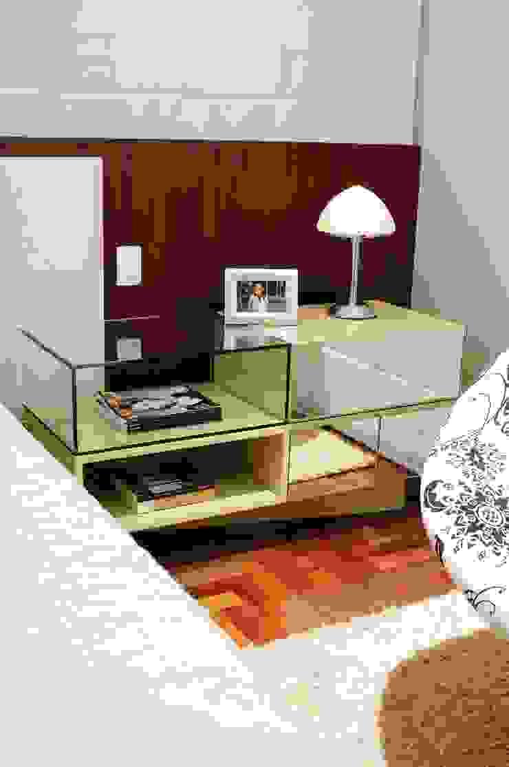 studio VIVADESIGN POR FLAVIA PORTELA ARQUITETURA + INTERIORES Modern style bedroom