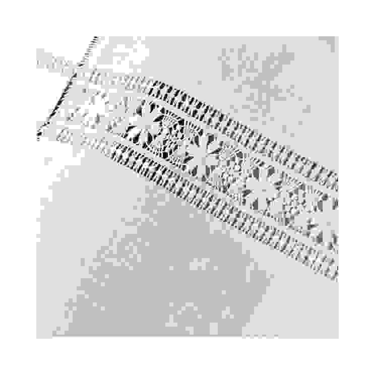 ROMÂNICO BORDADOS - MOTIVO PONTOS DE LUZ por ROMÂNICO BORDADOS Clássico Algodão Vermelho