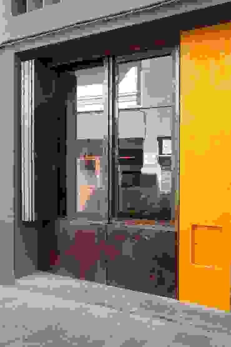 ANNA ANDREU LUTHIER, GERARD DÍAZ ARQUETER www.artesansluthiers.cat CABRÉ I DÍAZ ARQUITECTES Commercial Spaces