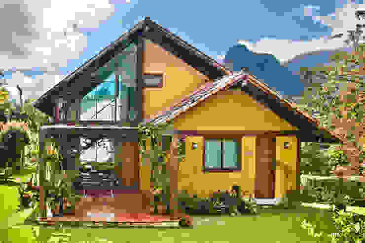 Wiejskie domy od Carlos Eduardo de Lacerda Arquitetura e Planejamento Wiejski