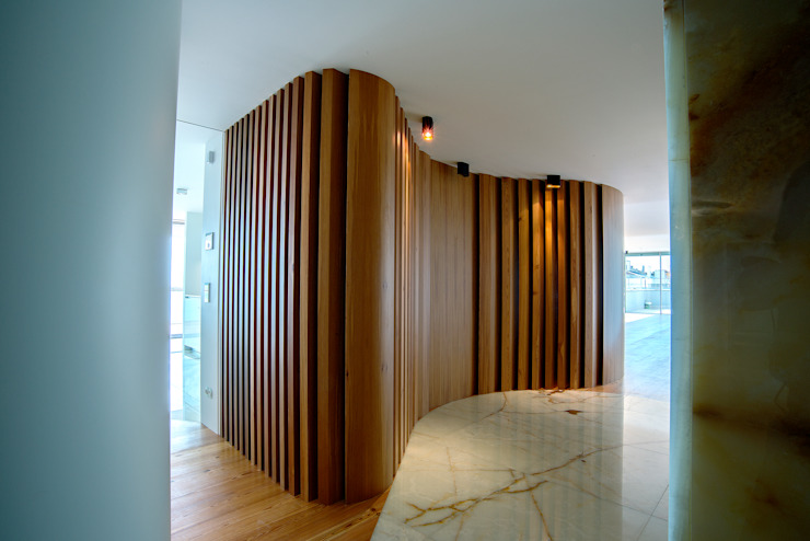 Entrada Corredores, halls e escadas clássicos por GRAU.ZERO Arquitectura Clássico