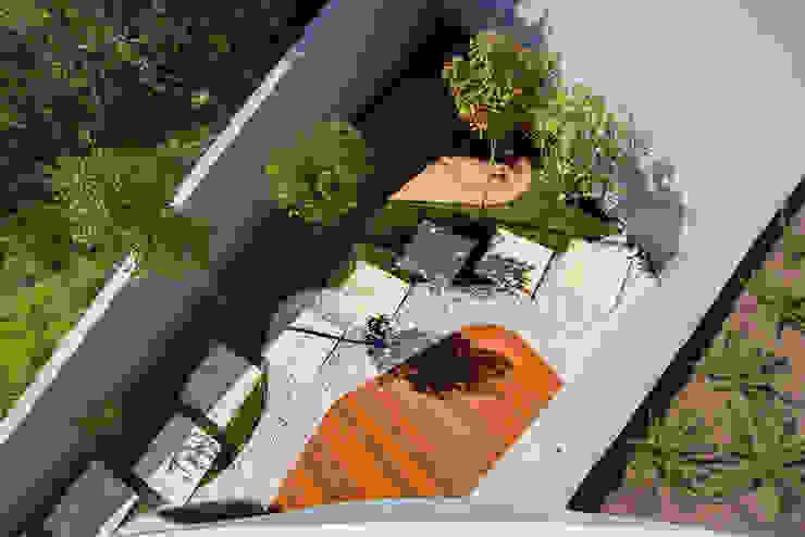 Classic style garden by GRAU.ZERO Arquitectura Classic