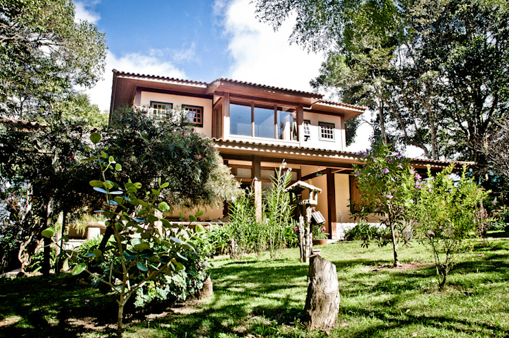 Дома в стиле кантри от Carlos Eduardo de Lacerda Arquitetura e Planejamento Кантри