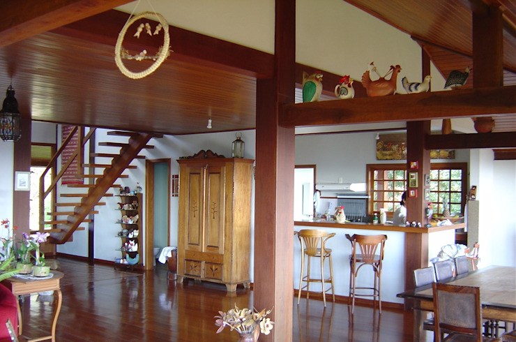 Ruang Makan Gaya Country Oleh Carlos Eduardo de Lacerda Arquitetura e Planejamento Country