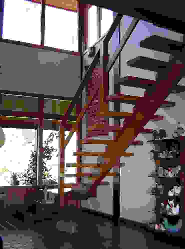 Wohnzimmer im Landhausstil von Carlos Eduardo de Lacerda Arquitetura e Planejamento Landhaus