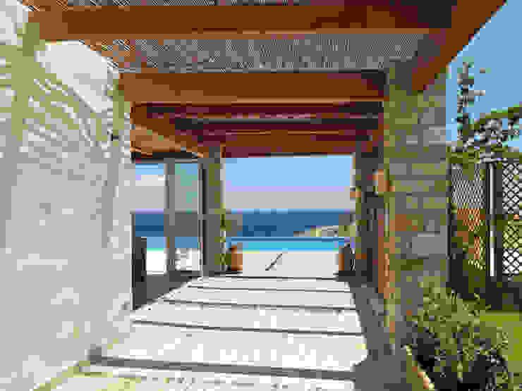Projekty,  Taras zaprojektowane przez Carlos Eduardo de Lacerda Arquitetura e Planejamento , Śródziemnomorski