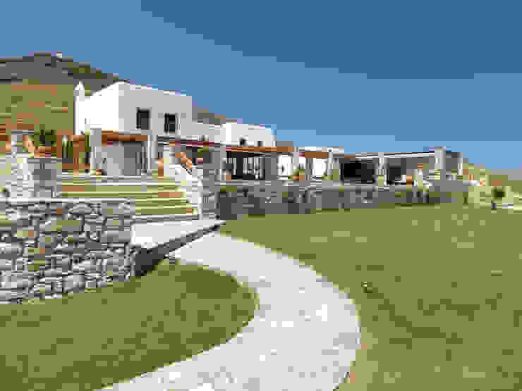 Projekty,  Domy zaprojektowane przez Carlos Eduardo de Lacerda Arquitetura e Planejamento , Śródziemnomorski