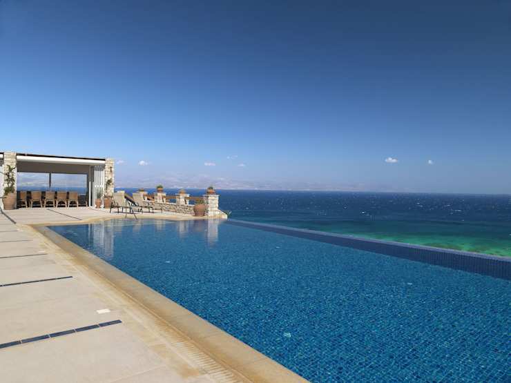 Mediterranean style pool by Carlos Eduardo de Lacerda Arquitetura e Planejamento Mediterranean