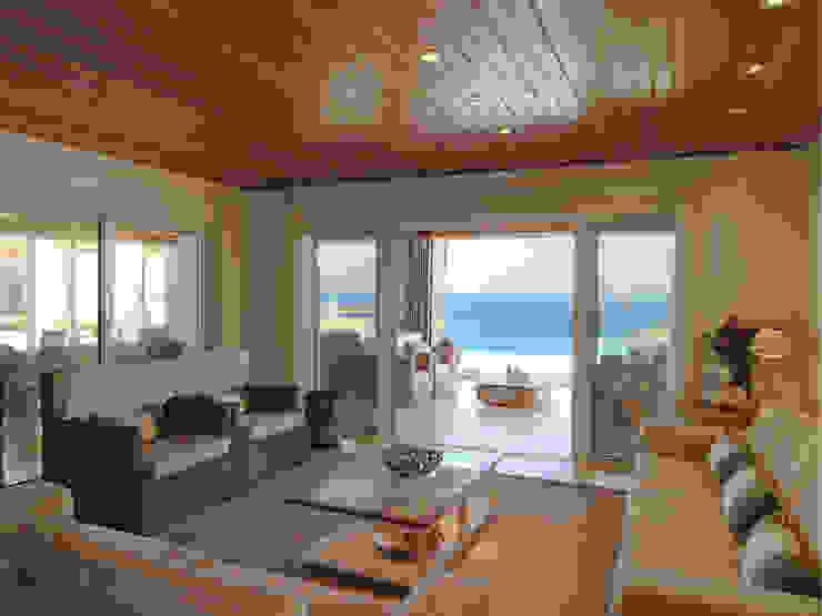Livings de estilo mediterráneo de Carlos Eduardo de Lacerda Arquitetura e Planejamento Mediterráneo