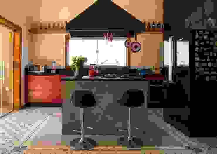 Flavio Vila Nova Arquitetura Industrial style kitchen