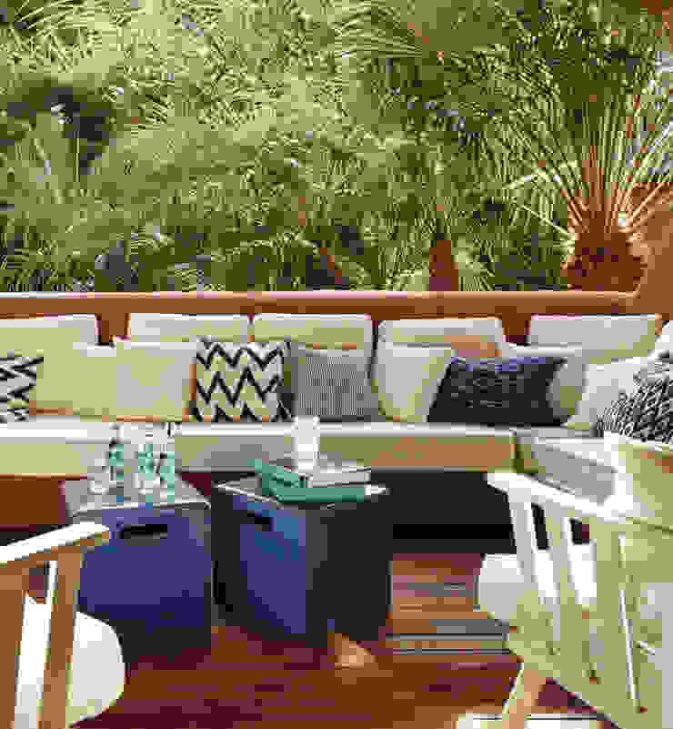 Casa Guadalmina Jardines de estilo mediterráneo de MLMR Architecture Consultancy Mediterráneo