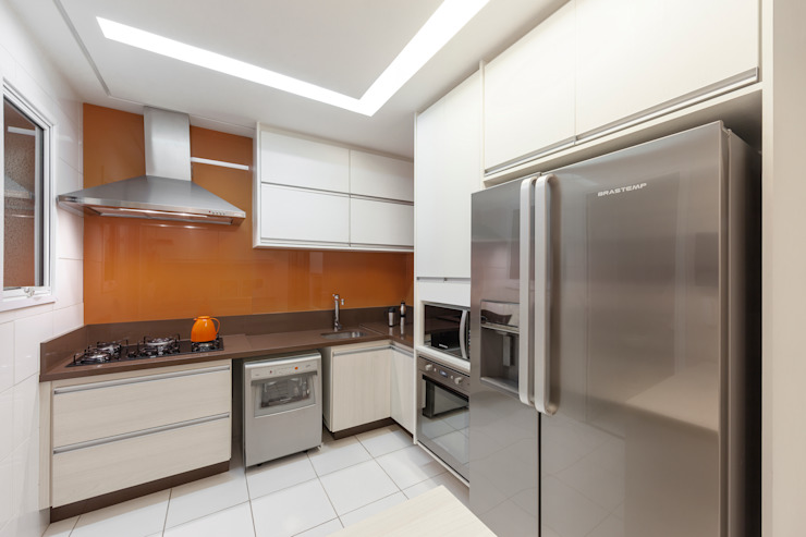 studio VIVADESIGN POR FLAVIA PORTELA ARQUITETURA + INTERIORES Modern kitchen