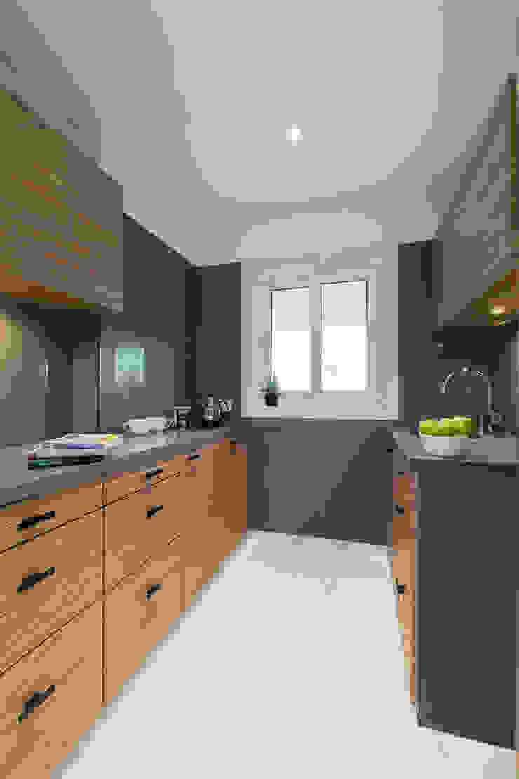 Commercial—Khar: minimalist  by Nitido Interior design,Minimalist Granite