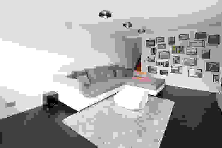 Modern Living Room by Schiller Architektur BDA Modern