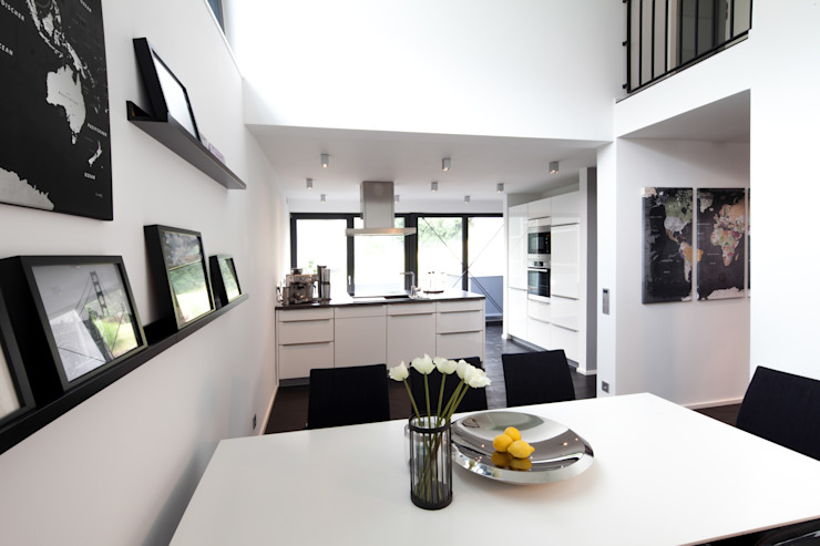 Dining room by Schiller Architektur BDA, Modern