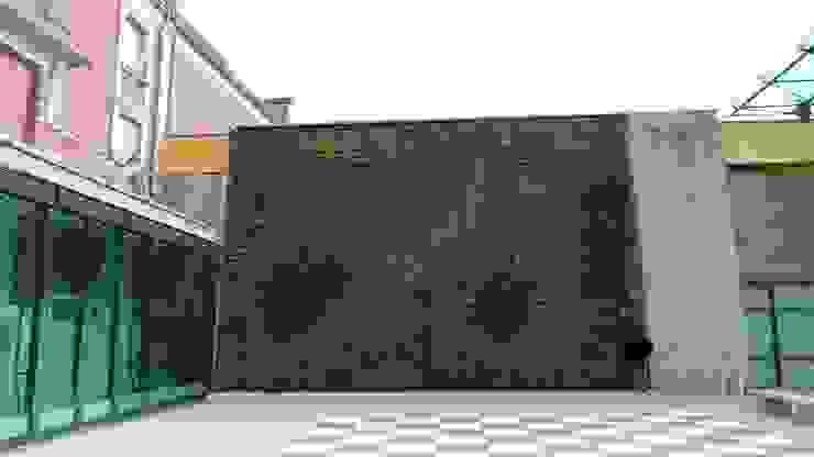 Façade végétalisée / Mur végétal extérieur VERTICAL FLORE Maisons tropicales par Vertical Flore Tropical