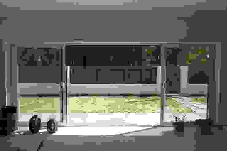 House – Carrasqueira, Sesimbra Jardins modernos por QFProjectbuilding, Unipessoal Lda Moderno