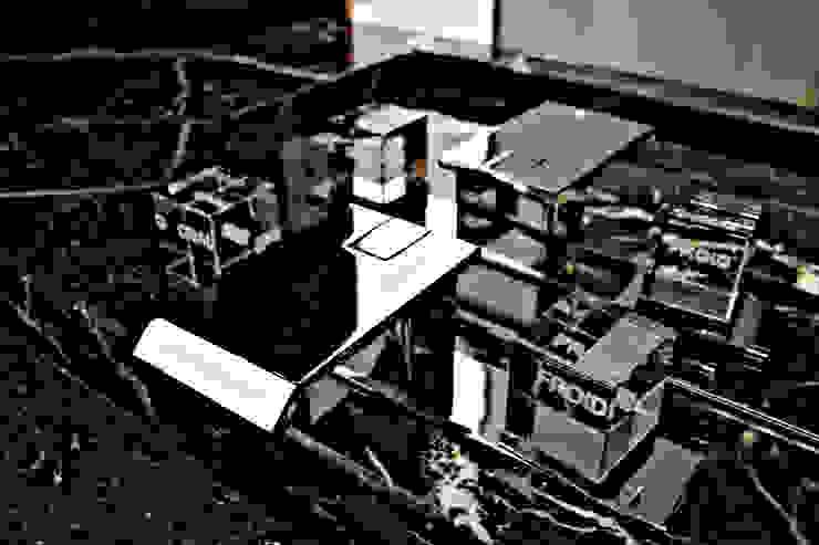 Casa de banho de serviço - Pormenor Casas de banho modernas por GRAU.ZERO Arquitectura Moderno