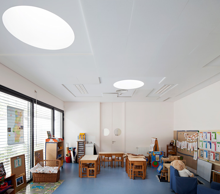 Kindergarten and Nursery Quartos de criança minimalistas por es1arq Minimalista